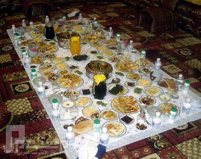 مناظر ولا اروع منها من حضرموت ( الجزء الثاني) مائدة رمضان
