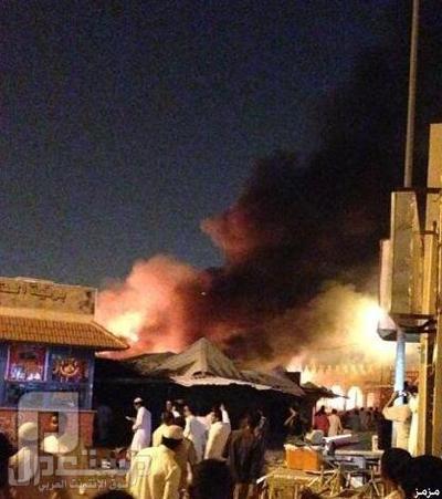 صور: الدفاع المدني يُخمد حريقًا اندلع في 40 محلا ًبأسواق بالرياض