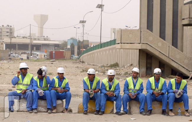 سعوديون يكسرون النظرة الدونية