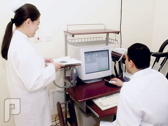 ليه الممرضين والممرضات من الفلبين مبدعين وفاهمين في تخصصهم وعملهم