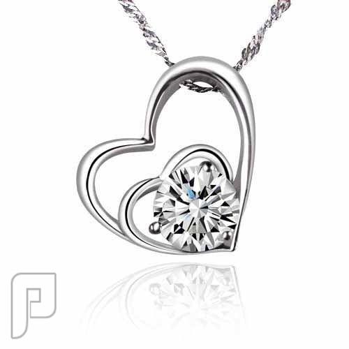 مجموعة متميزة جدااا من السلاسل سلسال القلوب من قلبين متداخلين من الفضة والكرستال