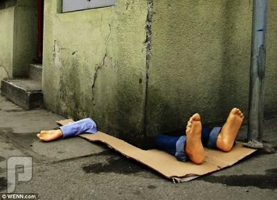 """بالصور.. منحوتة فنية تثير الذعر في شوارع """"براغ"""""""