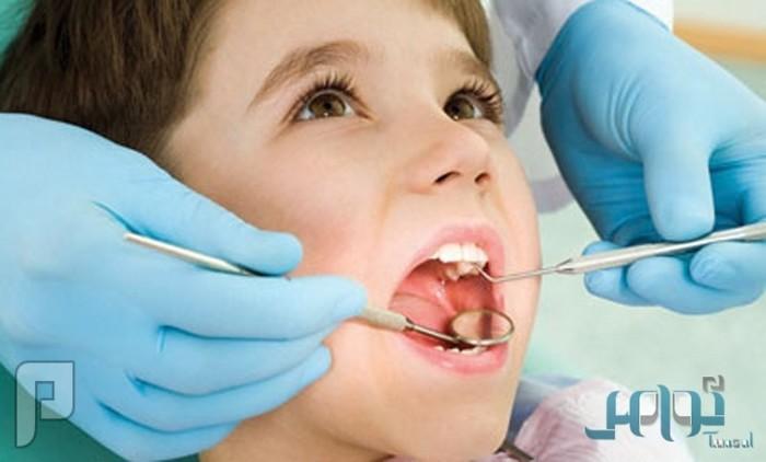 دراسة: المشروبات الغازية والحمضيات تتلف أسنان الأطفال بشكل دائم