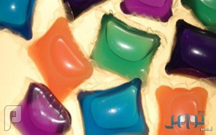 """دراسة تحذر: """"كبسولات مسحوق الغسيل"""" تسبب التسمم وأمراض العيون للأطفال"""