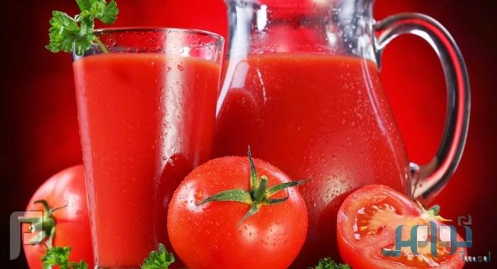 دراسة حديثة إلى أن تناول كوب من عصير الطماطم يومياً، يساعد في خفض الوزن