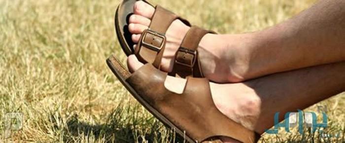 نصائح الخبراء للعناية بالقدمين خلال فصل الصيف
