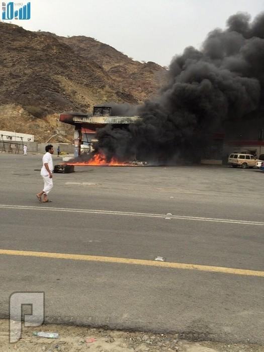 """شاهد.. مواطن يتسبب في احتراق محطة وقود ب""""بني يزيد الليث"""""""