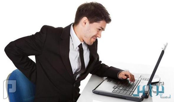 5 نصائح لمواجهة مشاكل الجلوس الطويل في العمل