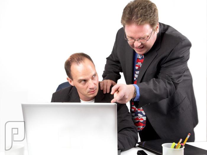 خمس نصائح للتعامل مع زميل العمل حاد الطباع