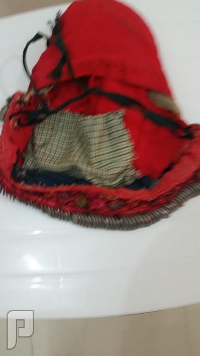 من نوادر التراث الفلسطيني -ثوب فلاحي وطاقية نسائيه عليها عملات عثمانية-قديم