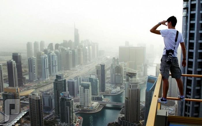 شباب مجانين يمشون في ارتفاعات مخيفة