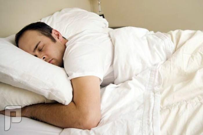 تعرّف إلى الوضعية الأفضل للنوم