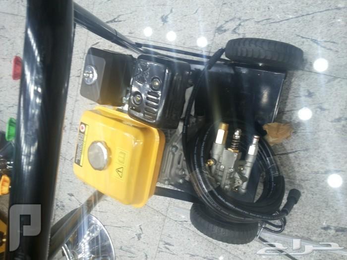 مكينة غسيل ملكي للسيارات متنقل بالعجلات يعمل على بنزين للاعمال الشاقة جديدة مكينة غسيل ملكي للسيارات متنقل بالعجلات يعمل على بنزين 1700 ريال