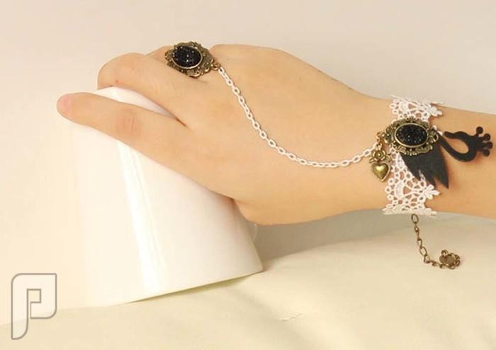 مجوهرات نسائية مميزة الإعلان الثالث موديل 200 مجوهرات ==== أسورة مع خاتم كأجمل اكسسوار نسائي = السعر 60 ريال