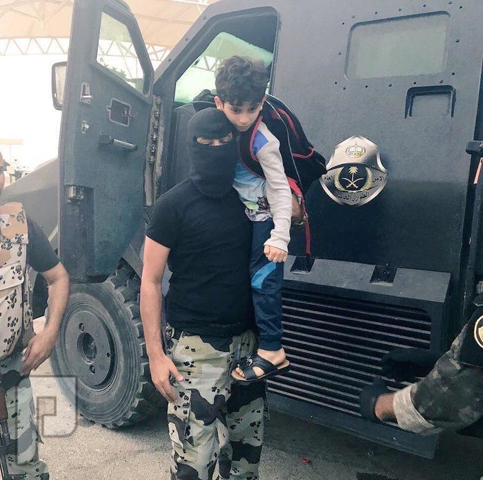 جهود رجال الأمن في حماية أهالي حي المسورة بالعوامية من نيران الإرهابيين