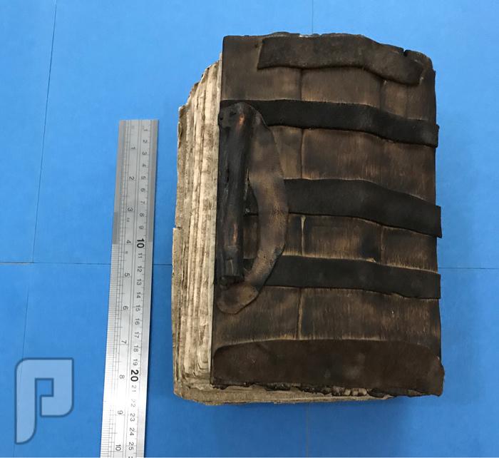مخطوطه قديمه في الادب العربي