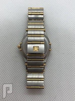 ساعة اوميغا نظيفة