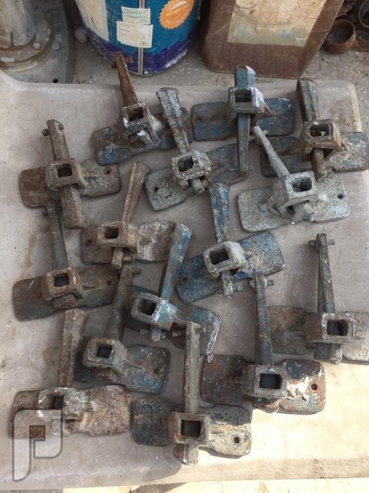 قطع غيار دعامات حديد (جكات ) زرجينة (كلبسات) 2.5 ريال