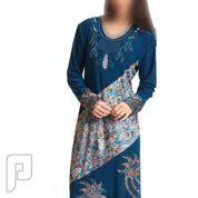 مجموعه متميزة من الملابس والفساتين النسائية 8- قفطان نسائي طويل ذو مقاس XXL ولونه أزرق داكن.