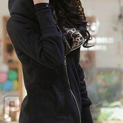 مجموعه متميزة من الملابس النسائية الاعلان الثانى 7- معطف نسائي من القطن ذو مقاس إسمول اللون الأسود.