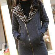 مجموعه متميزة من الملابس النسائية الاعلان الثانى 8-  معطف نسائي من القطن ذو مقاس إسمول اللون الرمادي.
