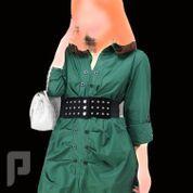 مجموعه متميزة من الملابس النسائية الاعلان الثالث 5- فستان نسائي أخضر اللون بأكمام طويلة وصفين زراير بالمقدمة