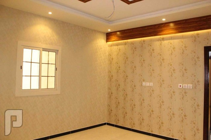 شقه 4غرف فاخره جديده بسعر لقطه جداً