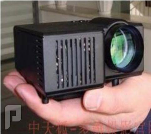 ميني بروجكتور بتقنية LED ويدعم اللغة العربية