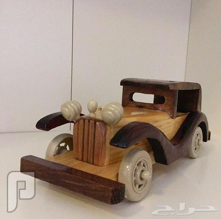 للبيع مجسمات سيارات خشبية