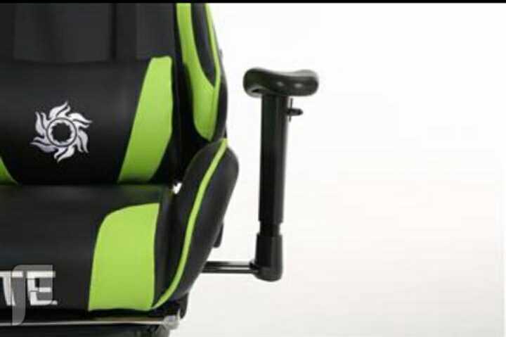كرسي قيمنق و متعدد للاستخدام جديدة ((كمية محدودة) )