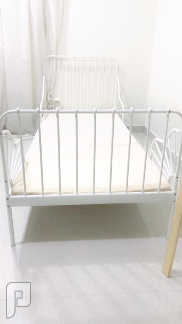 سرير ويتغير حجمه