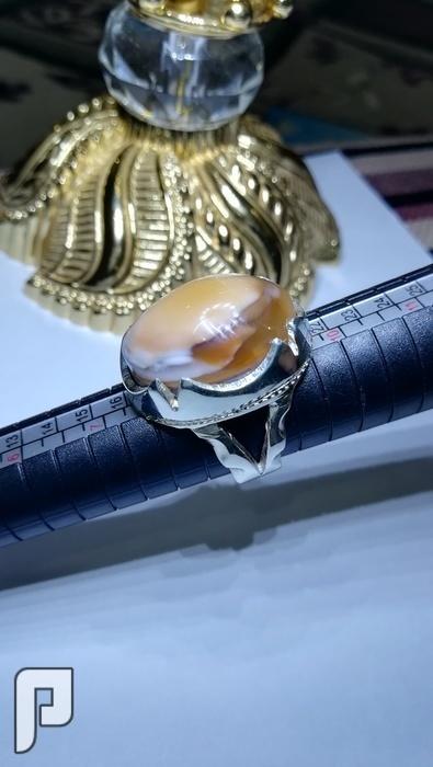 خاتم عقيق يماني طبيعي لون شبابي وكشخه