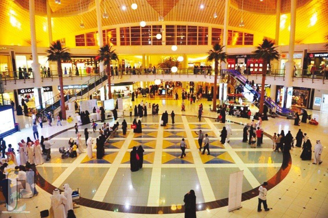تأييد 49 % من السعوديين لفتح المحلات التجارية أوقات الصلاة
