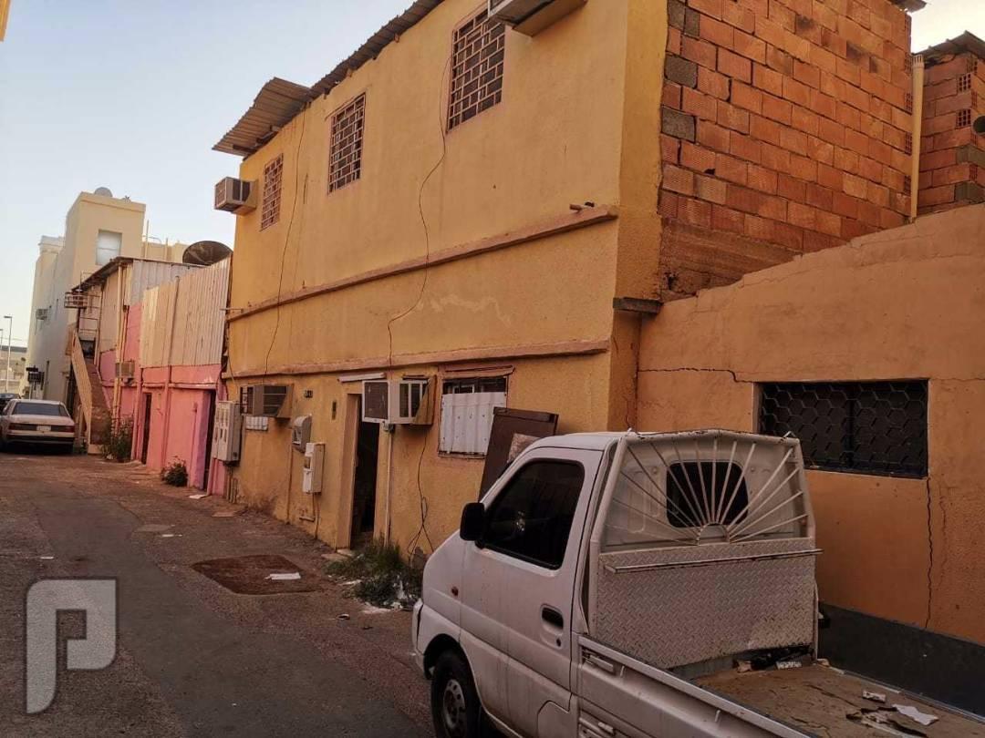 بيت شعبي للبيع تبوك  خلف سوق الشامل