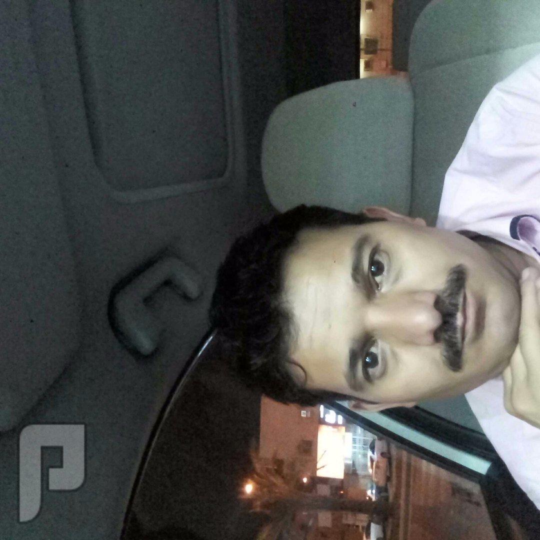 شاب يمني ابحث عن شغل سائق خاص او حارس