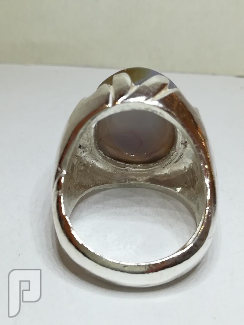 خاتم عقيق يماني طبيعي الالوان