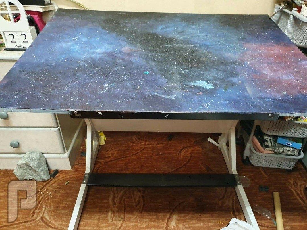 أغراض شقة للبيع طاولة رسم ب 200 ريال