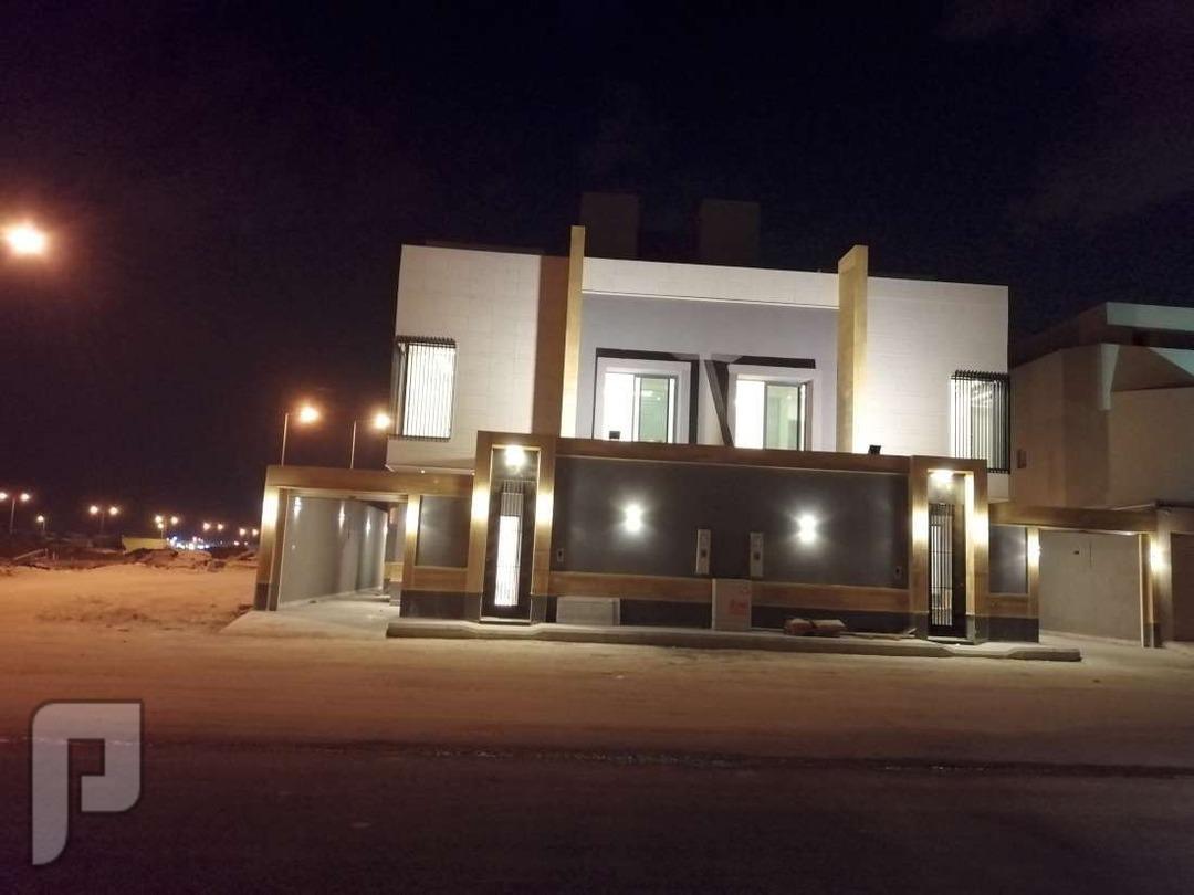 للبيع فيلا دبلكس حي ربوة الياسمين مساحة 200 مترين درج داخلي