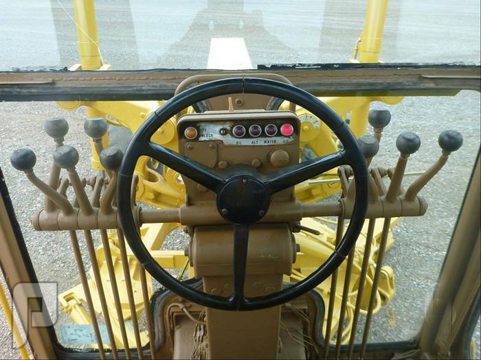 IT# 102- 1974 CATERPILLAR 14G Motor Grader AM